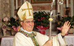 Il vescovo di Prato Franco Agostinelli ha salutato con gioia la nomina di Papa Francesco