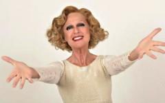 Loretta Goggi interpreta Gipsy