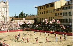 Il Calcio Storico Fiorentino in piazza Santa Croce