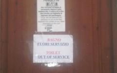 Bagni fuori uso nelle strutture gestite da Firenze Parcheggi
