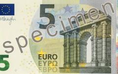 Euro, in distribuzione da oggi la nuova banconota da 5 euro