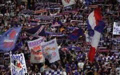 Fiorentina-Roma, petardo esplode in curva Ferrovia e ferisce spettatore