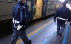 Pregiudicato israeliano rapina un cinese sul treno