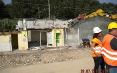 Pisa, contro lo spaccio e la prostituzione si demoliscono manufatti