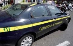 Livorno, sequestrate 900 paia di scarpe con falso Made in Italy