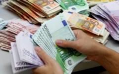 Crisi: la paura frena le spese, decolla il risparmio degli italiani