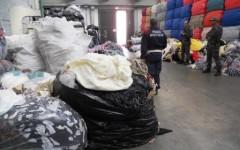 Prato: scoperto traffico illecito di rifiuti tessili. 13 persone denunciate