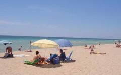 Vacanze, guerra di cifre in un'estate che non decolla