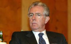 Monti attacca: «Renzi è un disco rotto. Insensato il deficit a 2,9%»
