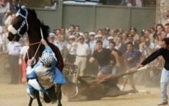 Il momento della caduta del cavallo della Chiocciola