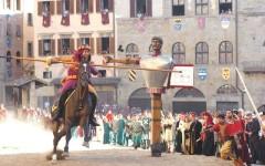 Arezzo, Giostra Saracino: dedicata a Fiera Antiquaria e fine Prima guerra mondiale