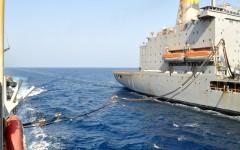 Missione Atalanta: rifornimento da 130 mila litri in mezzo al mare