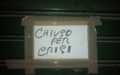 I bar, gli alberghi, i ristoranti e i negozi d'abbigliamento italiani chiudono per crisi