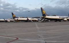 Ryanair fa base a Pisa fino al 2018