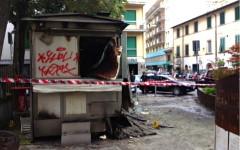 Il chiosco dato alle fiamme in piazza Tanucci a Firenze 2