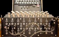 Enigma, la macchina usata dai tedeschi per cifrare i messaggi via radio