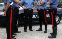 I carabinieri bloccano 5 ragazzini che lanciavano pietre da un cavalcavia nel pistoiese