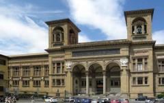Firenze, cade una pietra dalla facciata della Biblioteca Nazionale e sfiora un passante