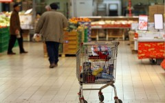Crisi, Federconsumatori: una famiglia su tre ha modificato i consumi alimentari
