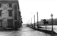 Alluvione, Arno: Rossi chiede a Napolitano e a Renzi poteri straordinari per le opere di prevenzione