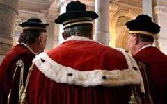 L'Associazione nazionale magistrati chiede il completamento degli organici. E promette di vigilare sui comportamenti delle toghe