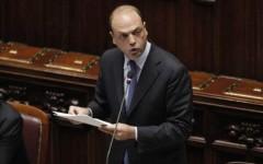 Immigrazione:  il ministro Alfano lancia il bando per accogliere altri 10.000 profughi. Ma divampa la polemica