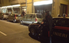 I carabinieri nel condominio di Firenze dove hanno sventato un furto