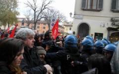 Il contatto tra antagonisti e Polizia