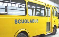 Scuolabus perde due ruote, è accaduto a Stazzema