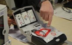 Regalare defibrillatori alle scuole atto di generosità