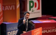 Renzi: «Rifaremo l'Italia grazie alla gente e non ai soliti tromboni»