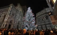 Natale, domenica Renzi accende l'albero di piazza Duomo