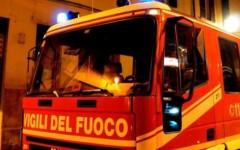 Livorno: un incendio distrugge un camper, danneggiati altri due mezzi