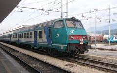 Un black-out elettrico ha mandato in tilt la linea ferroviaria Empoli-Pisa