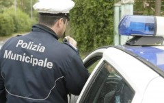 Prato, 27 posti letto in un appartamento. Denunciata affittacamere cinese abusiva
