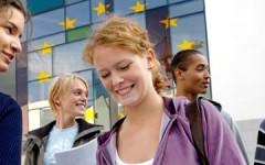 Lavoro, «Giovani Sì»: voucher per master e dottorati di ricerca all'estero. Ecco come presentare domanda