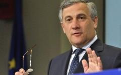 Migranti: Tajani approva la stretta dell'Italia e di Minniti sulle Ong. I ritardi della Ue