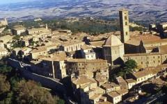 Maltempo, crollano a Volterra 30 metri di mura medievali