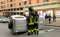 I vigili del fuoco sono intervenuti sull'incidente