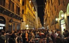 Firenze, notti d'estate: movida alle Cascine, centro storico blindato