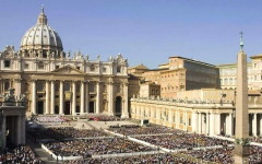 Terrore a Parigi, Papa Francesco: «E' un pezzo della terza guerra mondiale». Giubileo a rischio? Bagnasco: «Nessuno abbia paura»