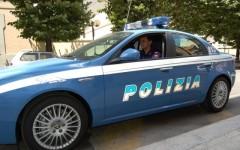 Massa: morto nell'auto in fuga inseguita dalla polizia. Ferito grave l'uomo che era con lui