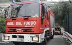Volterra, si rovescia cisterna di acido cloridrico. Bloccata la strada regionale 68 di Val di Cecina
