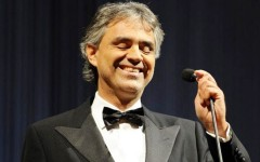 Toscana: Gonfalone d'argento a Andrea Bocelli dal Consiglio regionale