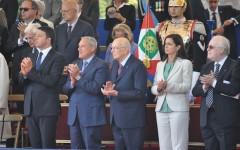 2 giugno, parata militare a Roma: debutto di Renzi tra gli applausi
