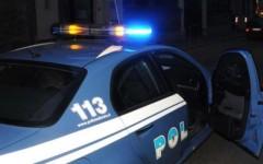 Forte dei Marmi: a 100 all'ora sul lungomare sorpassa un'auto della polizia. Multa e ritiro della patente