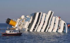Costa Concordia: cerimonia al Giglio (quarto anniversario del naufragio) turbata dal maltempo