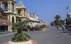 Viareggio: il consiglio comunale sfiora la rissa dopo il sì al nuovo forno crematorio di Torre del Lago