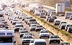 Autostrade per l'Italia: traffico intenso per le partenze di Natale. Bollino rosso