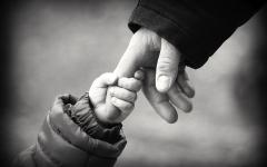 Figli adottivi non riconosciuti: pronta la nuova legge per ritrovare la madre biologica